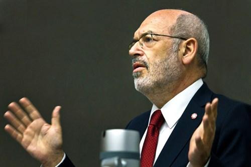 Prof Gluckman
